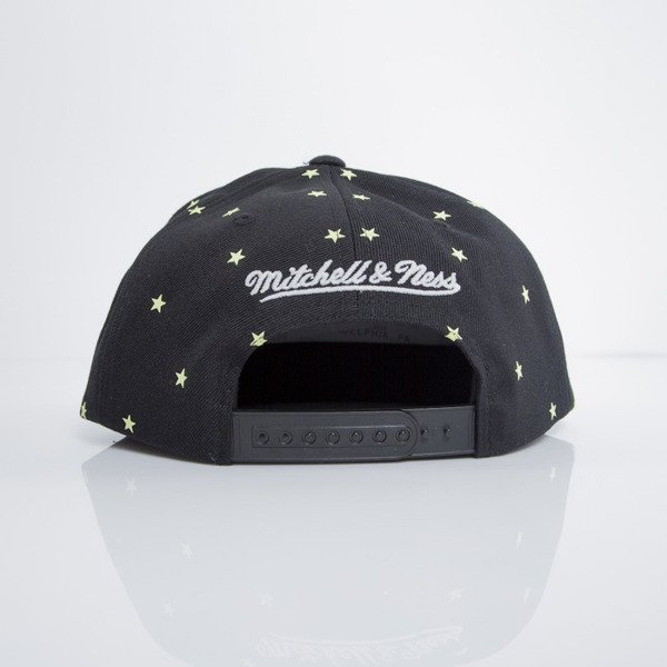 Mitchell & Ness czapka snapback Chicago Bulls black GITD Starry Night VU42Z