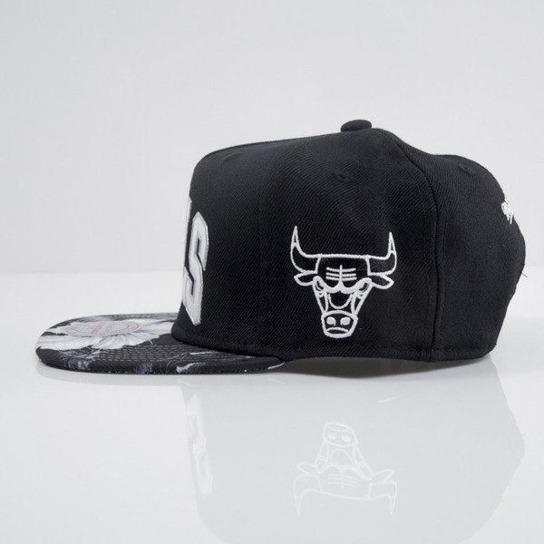 Mitchell & Ness czapka snapback Chicago Bulls black Tropical Visor Sonic EU665