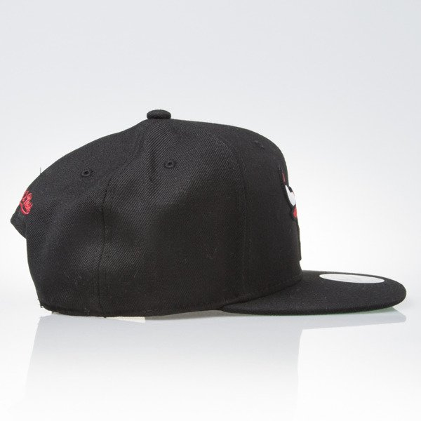 Mitchell & Ness czapka snapback Chicago Bulls black WOOL SOLID NL99Z