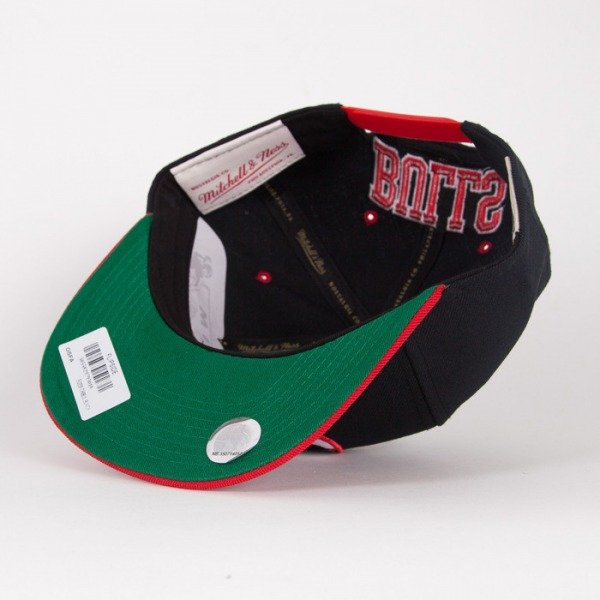 Mitchell & Ness czapka snapback Chicago Bulls black / red Flipside