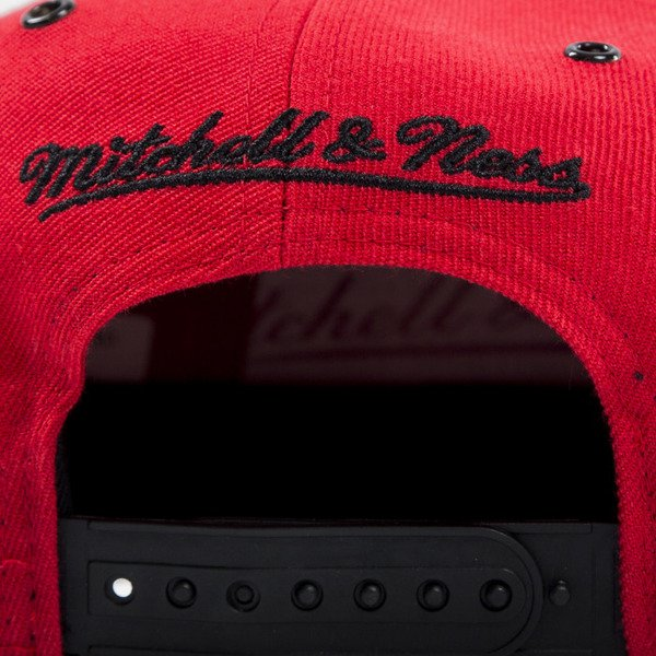 Mitchell & Ness czapka snapback Chicago Bulls red EU501 SPEEDWAY