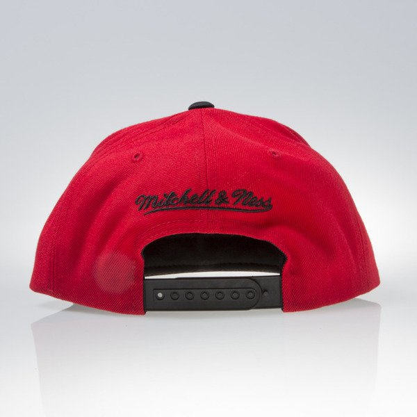 Mitchell & Ness czapka snapback Chicago Bulls red REFLECTIVE TRI POP ARCH VQ84Z