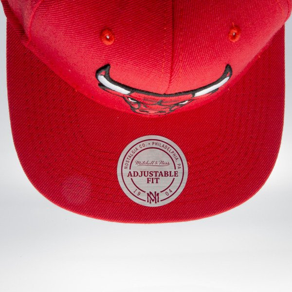 Mitchell & Ness czapka snapback Chicago Bulls red WOOL SOLID NL99Z