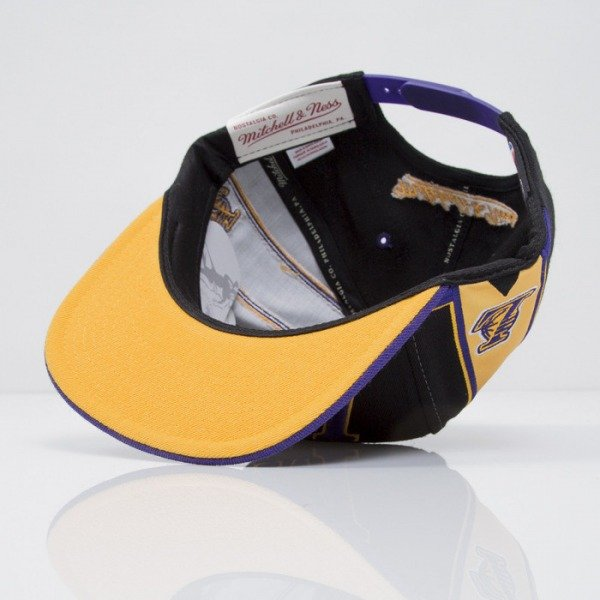 Mitchell & Ness czapka snapback Los Angeles Lakers black Team Short Jersey VF64Z
