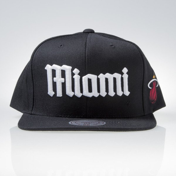 Mitchell & Ness czapka snapback Miami Heat black GOTHAM CITY VW49Z