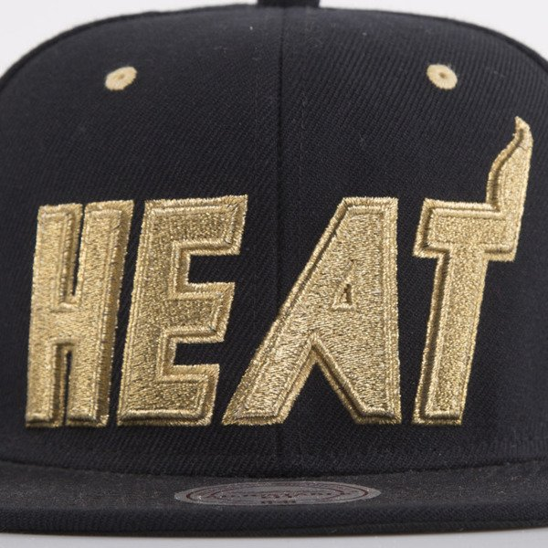 Mitchell & Ness czapka snapback Miami Heat black Team Gold EU173