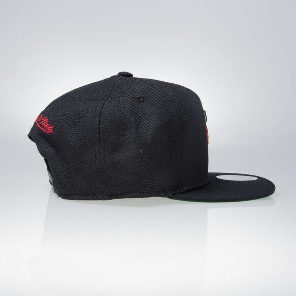 Mitchell & Ness czapka snapback Miami Heat black WOOL SOLID NZ979