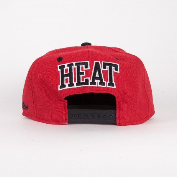 Mitchell & Ness czapka snapback Miami Heat black / red Flipside