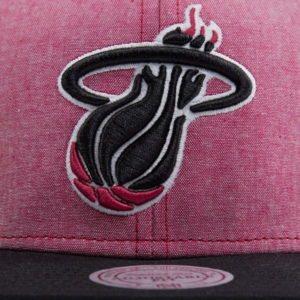 Mitchell & Ness czapka snapback Miami Heat heather red EU362 ISLES