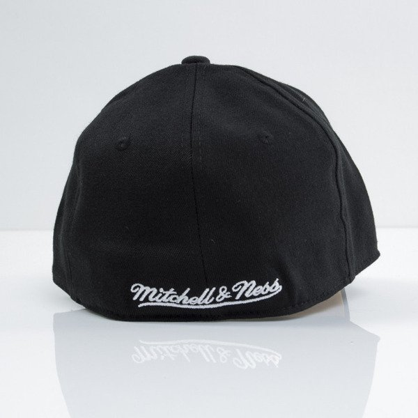 Mitchell & Ness czapka strech fit Los Angeles Lakers black Courtside EU384