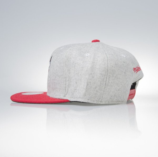 Mitchell & Ness snapback czapka Chicago Bulls grey heather / red Melange Flannel EU912