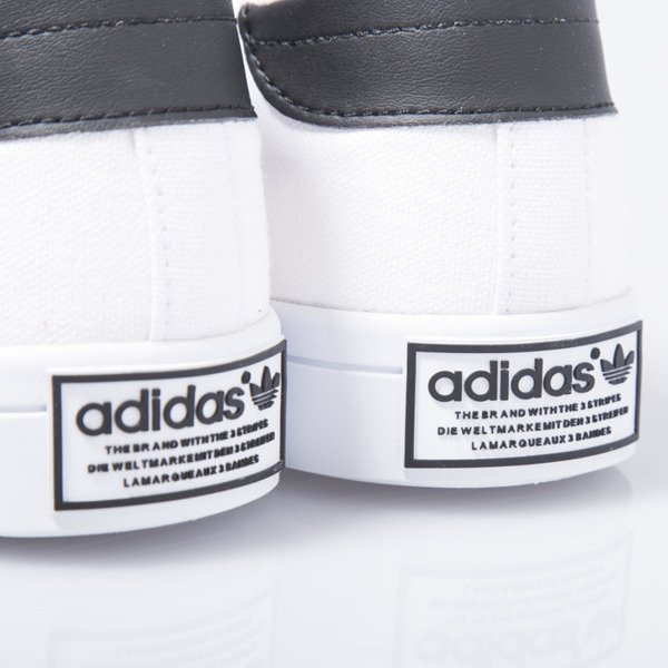 Sneakers buty Adidas Originals CourtVantage white / black (S78765)