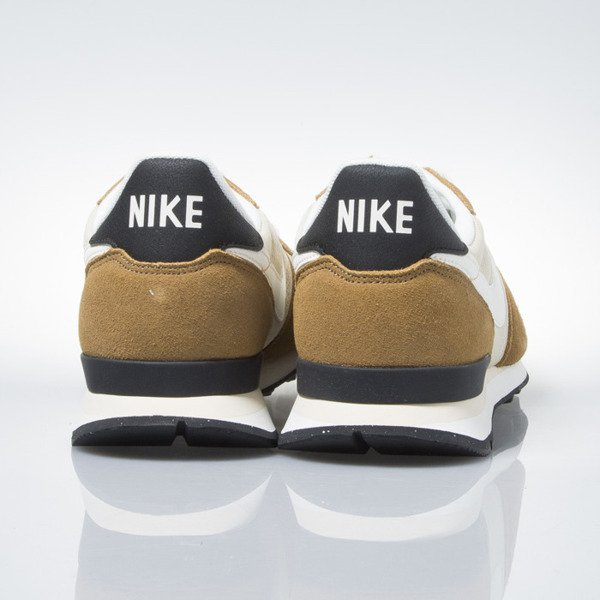 Sneakers buty Nike Internationalist vegas gold / sail-rocky tan-blk (828041-701)