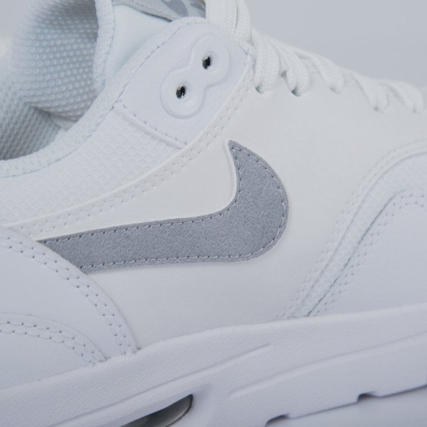 Sneakers buty Nike WMNS Air Max 1 Ultra Essentials white / wolf grey - pure platinum - metallic silver (704993-102)