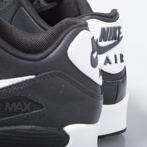 Sneakers buty Nike WMNS Air Max 90 Essential black / white (616730-023)