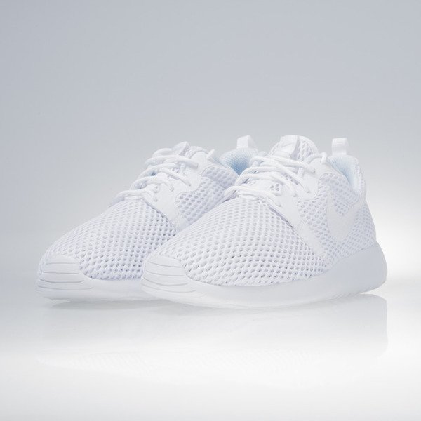 Sneakers buty Nike WMNS Roshe One Hyp BR white / white-pure platinum (883826-100)