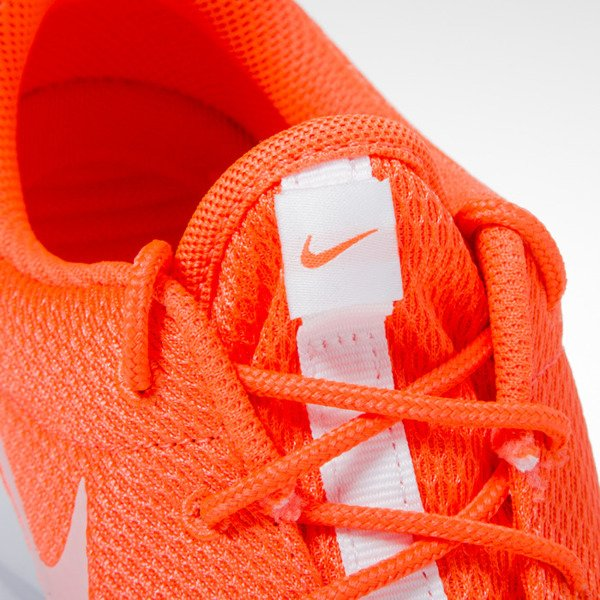 Sneakers buty Nike WMNS Roshe One total crimson / white (511882-818)