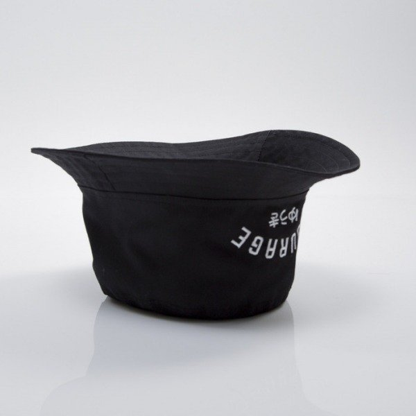 We Peace It czapka bucket Courage black