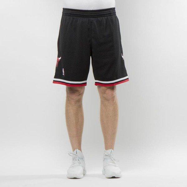 2c7f0c2e9bc8ba Mitchell   Ness Chicago Bulls black Swingman Shorts