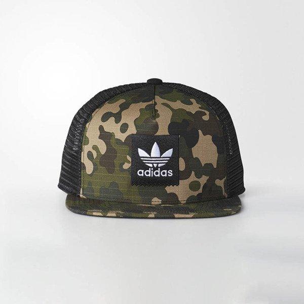 c025d6d76e2 Snapback Adidas Originals WMNS Camouflage Trucker Cap multicolor BR3853