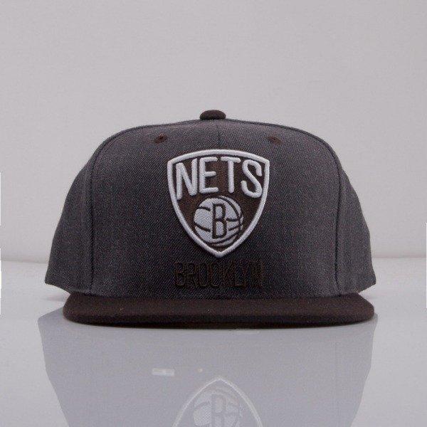 2e665bef7b9d1 Mitchell & Ness cap snapback Brooklyn Nets dark grey Charcoal Dune 2Tone  EU426 | Bludshop.com