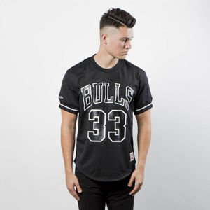 Mitchell & Ness Chicago Bulls #33 Scottie Pippen black / white Name & Number Mesh Crewneck