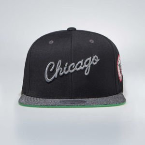 Mitchell & Ness Chicago Bulls Snapback Cap black / grey Melange Patch