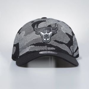 Mitchell & Ness cap snapback Chicago Bulls black Camo Knit 110