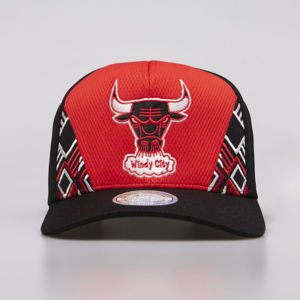 Mitchell & Ness snapback Chicago Bulls red/black DNA 110 Snapback
