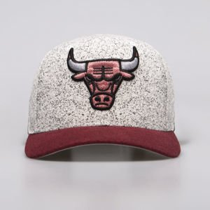 Mitchell & Ness snapback Chicago Bulls white / red No Rest Snapback