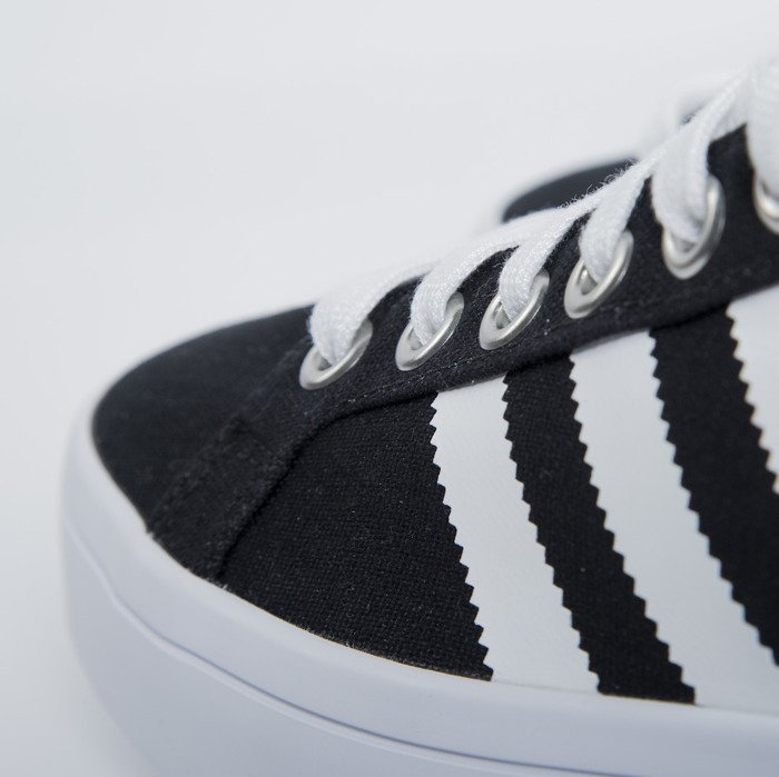lower price with e31e0 df041 Adidas CourtVantage black  white (S79302) ...