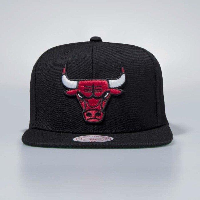 45d347381b5 Cap Mitchell   Ness snapback Chicago Bulls black Wool Solid ...
