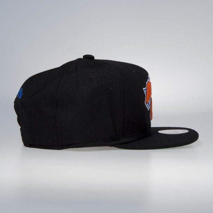 57d341b15e8 ... Cap Mitchell   Ness snapback New York Knicks black Wool Solid   Solid  ...