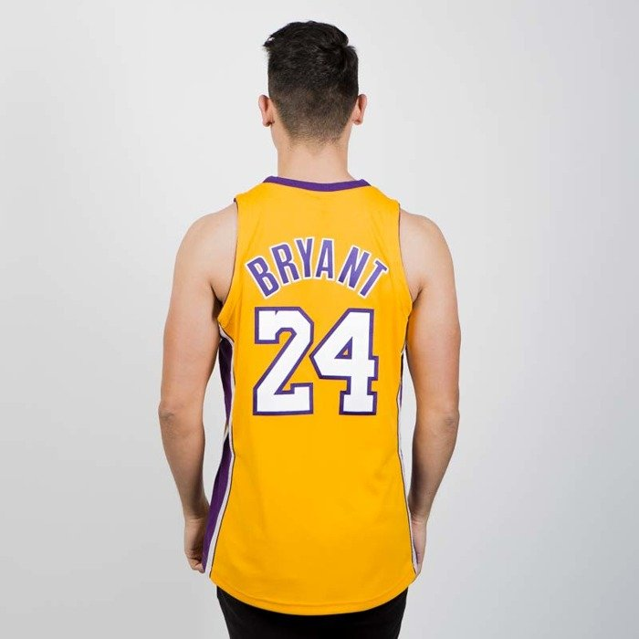 d9a5956263e ... Jersey Mitchell & Ness Los Angeles Lakers - Kobe Bryant 2008-09 yellow  / purple ...