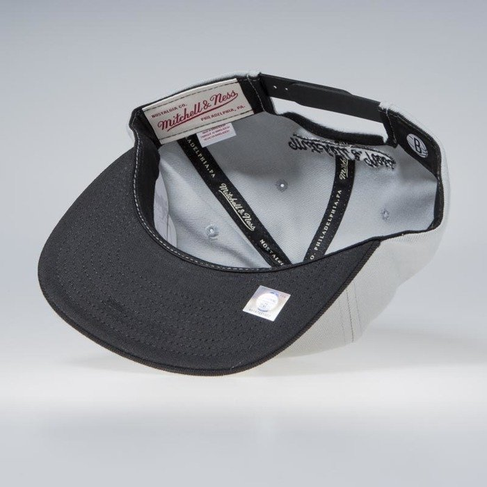 10a1d3a72 Mitchell & Ness Brooklyn Nets Snapback Cap grey NBA Cropped XL Snapback