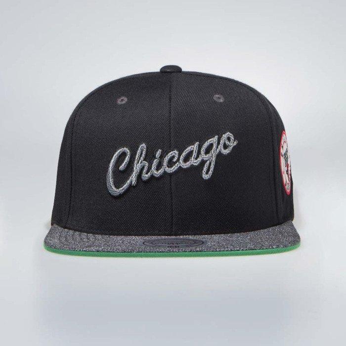 Mitchell & Ness Chicago Bulls Snapback Cap black / grey ...