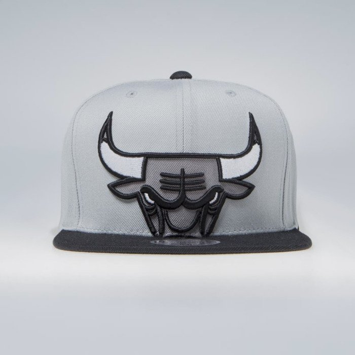 sports shoes 5b323 db394 Mitchell   Ness Chicago Bulls Snapback Cap grey NBA Cropped XL Snapback    Bludshop.com