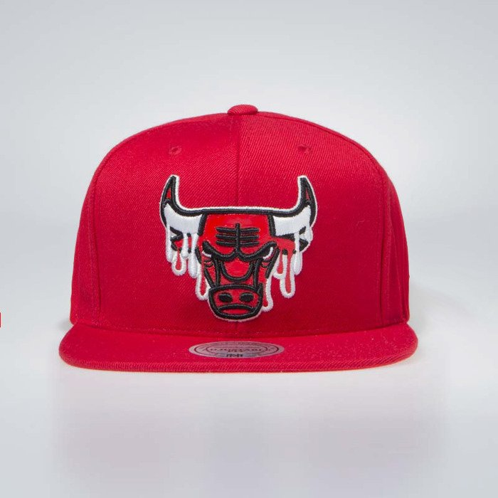 competitive price 59d9a 58f71 ... good mitchell ness chicago bulls snapback cap red dripped 5cfb5 436f2