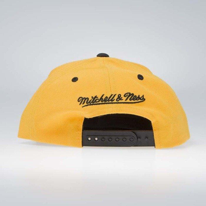 b983dde1c1eee ... Mitchell   Ness Golden State Warriors Snapback Cap yellow camo Covert  ...