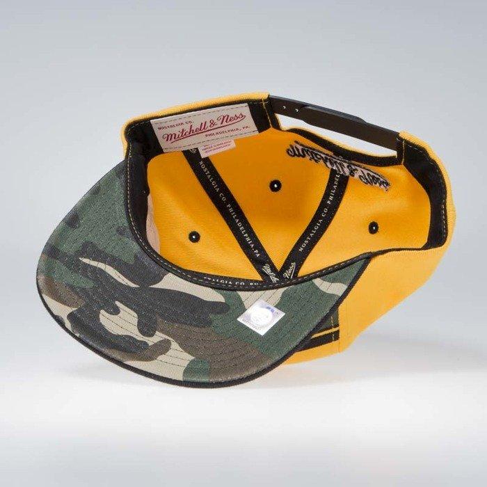 d37097c23924e Mitchell   Ness Golden State Warriors Snapback Cap yellow camo Covert ...