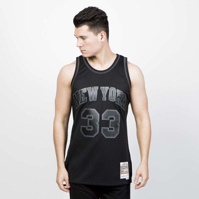 277fd393c Mitchell   Ness New York Knicks  33 Patrick Ewing black Swingman Jersey