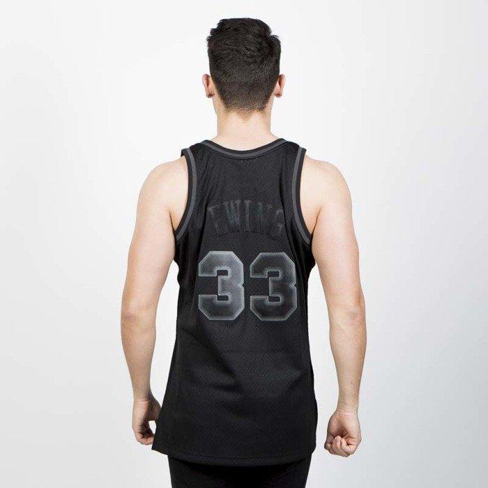 ... Mitchell   Ness New York Knicks  33 Patrick Ewing black Swingman Jersey  ... b044aa4e9