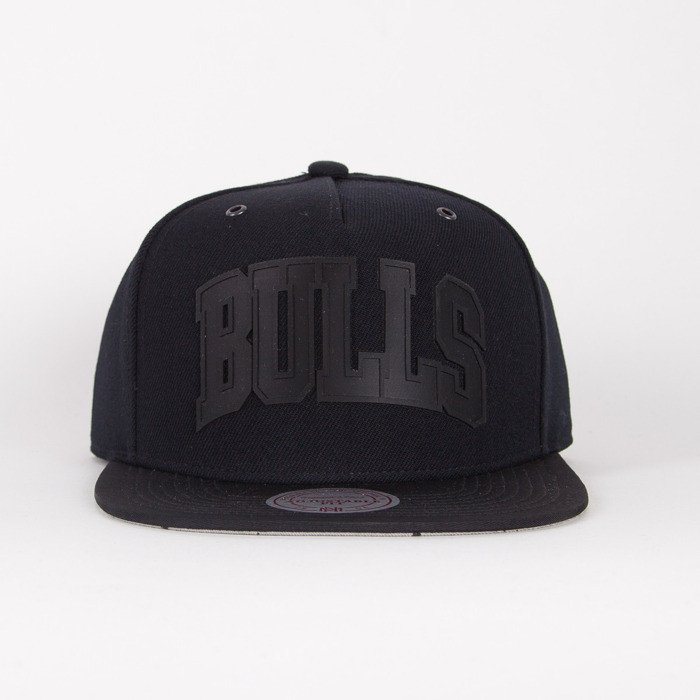 02b67bff546 Mitchell   Ness cap Chicago Bulls black Cement