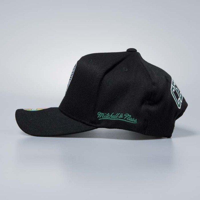 d770dcbf877087 ... Flexfit 110 · Mitchell & Ness cap snapback Boston Celtics black Eazy  Flexfit ...