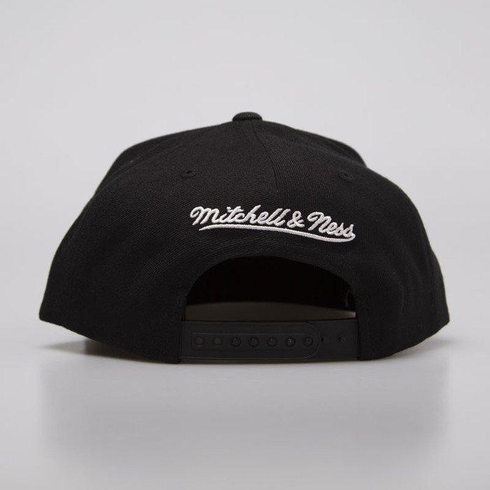 56d76cad2 Mitchell & Ness cap snapback Boston Celtics black / white Wool Solid ...