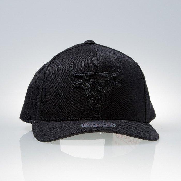 new arrival 61193 a0d20 Mitchell   Ness cap snapback Chicago Bulls black 110 EU889   Bludshop.com
