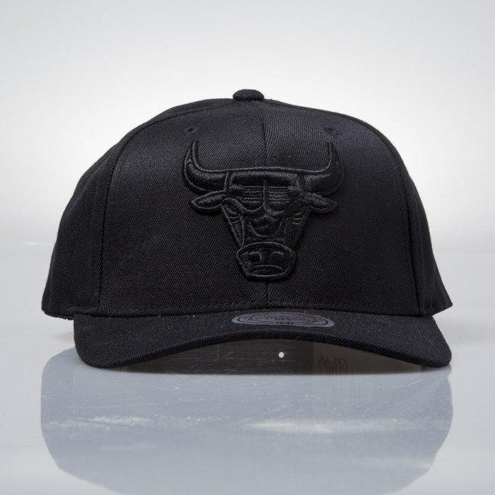 Mitchell   Ness cap snapback Chicago Bulls black EU889 FLEXFIT 110 ... 2269deedd2b8