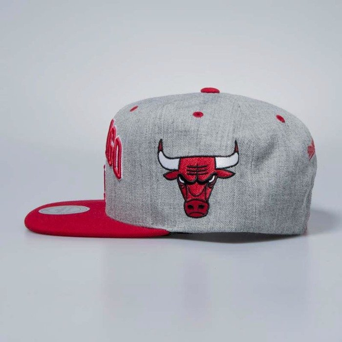 the latest 483e0 41698 amazon mitchell ness cap snapback chicago bulls grey heather side panel  cropped a0f23 c4626