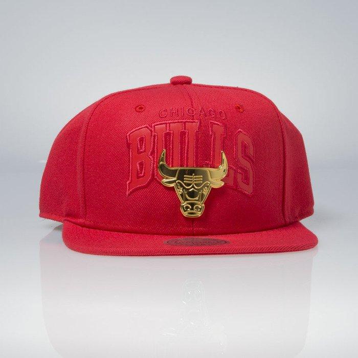 new product fcf56 20d7a Mitchell   Ness cap snapback Chicago Bulls red Lux Arch EU942   Bludshop.com