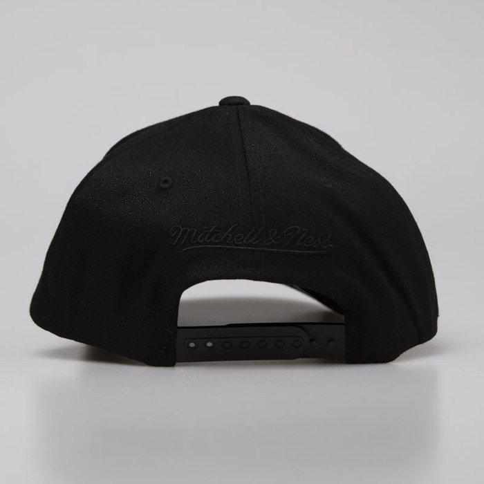 separation shoes a0405 eb518 ... Mitchell   Ness snapback Brooklyn Nets black Black On Black ...